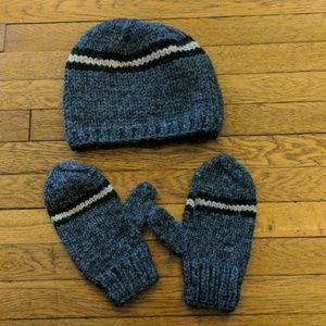 J Crew Men's Hat & mitten set